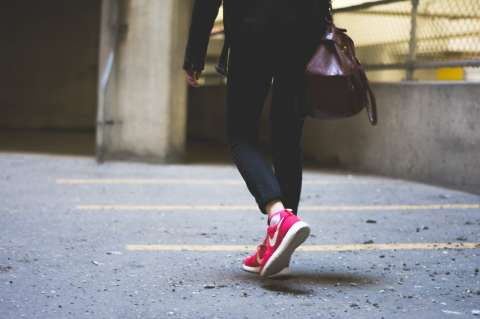 Prosty i elegancki Buty Jakie Nike Polecamy Dla Dziewczyny